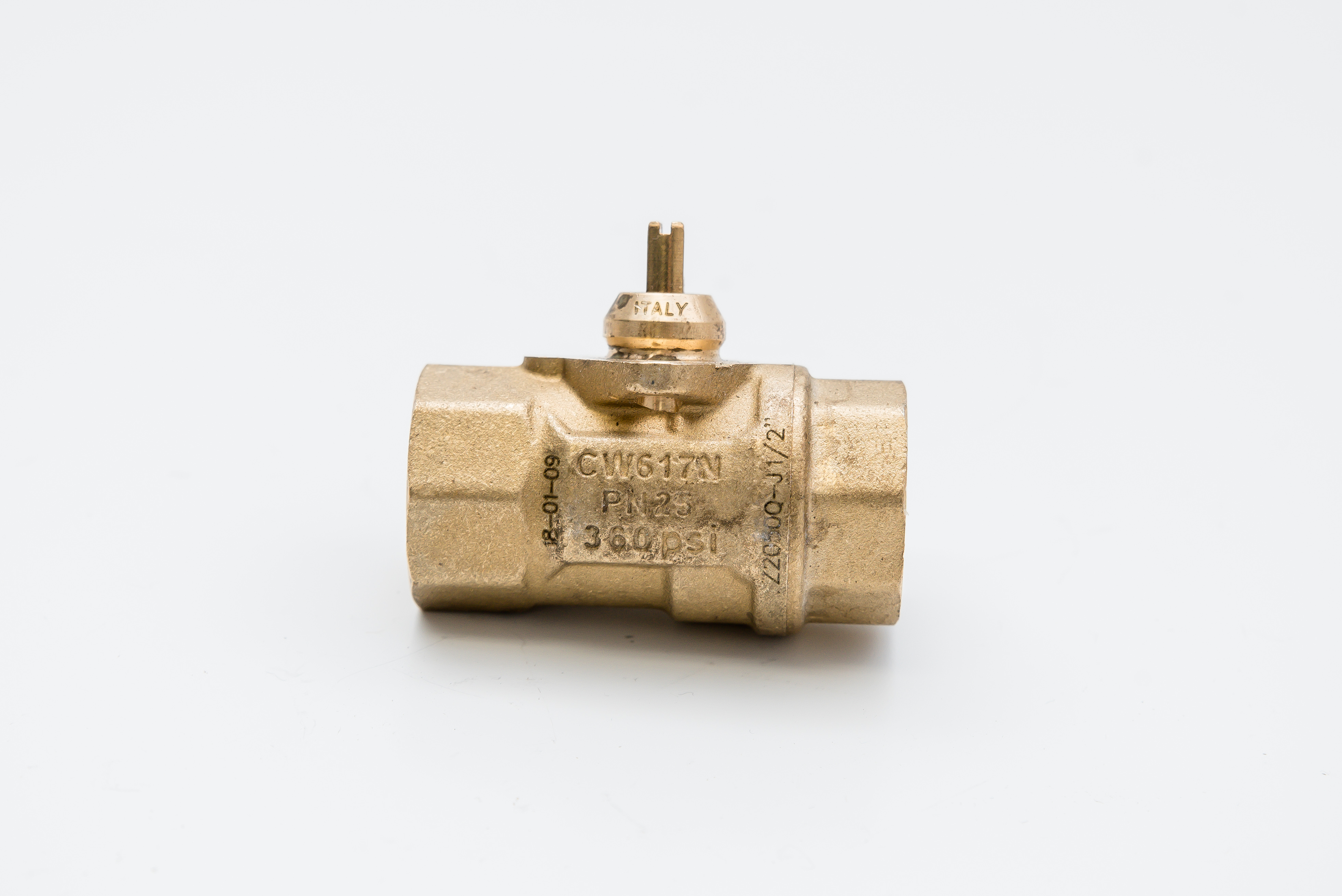 Belimo 2 way valve threaded connection CW617N PN25 360 PSI